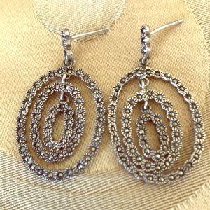 Jewelry - Delicate earrings